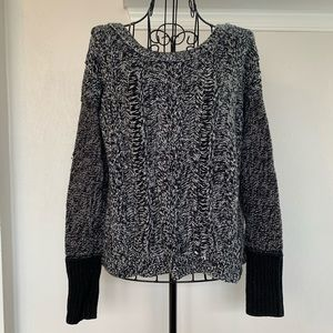American Eagle Outfitters Scoop Neck Sweater Sz M